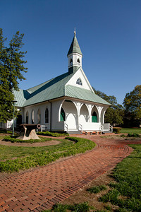 Confederate chapel with cannon