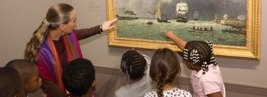 695_young-students-with-docent-E0133086
